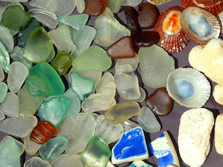 75 BIG pcs, WRITING, Sea Pottery, limpet shells, 4/17, opening bid $24