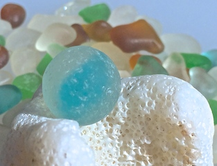 Stunning sea glass MARBLE< sky blue!$45 3/18